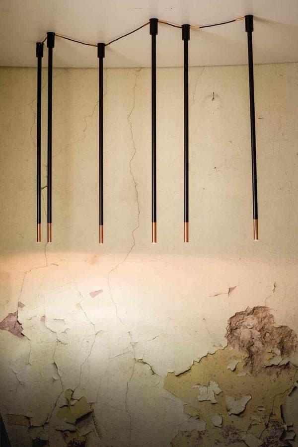 Koridoriaus apšvietimas, Pakabinamas-lubinis šviestuvas alha N 9005- DOHAR baltas su vario spalvos galais