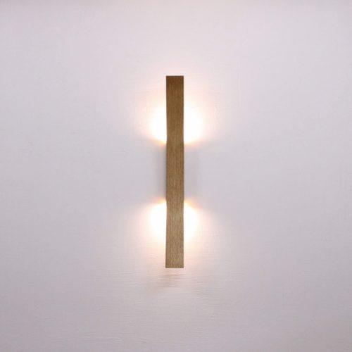 Rankų darbo mediniai šviestuvai, Sieninis medinis šviestuvas PERO