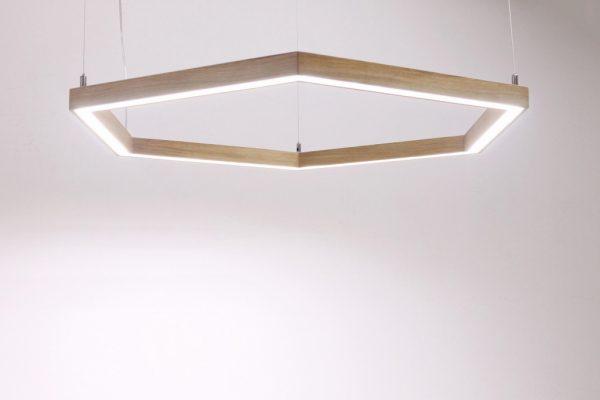 Pakabinami šviestuvai, Pakabinamas medinis šviestuvas SOTA ø60