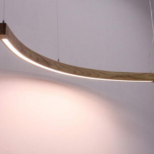 Mediniai šviestuvai, Pakabinamas medinis šviestuvas MOON