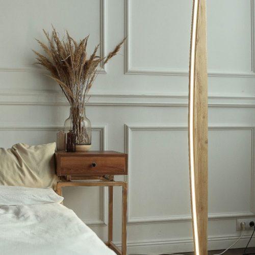 Mediniai šviestuvai, Pastatomas medinis šviestuvas PARUS