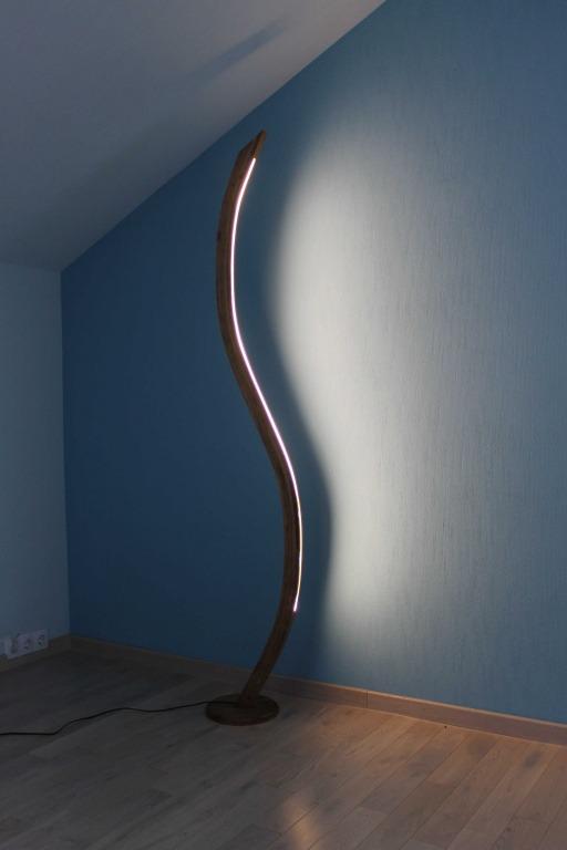 Pastatomi šviestuvai, Pastatomas medinis šviestuvas S-Lampe