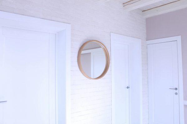 Rankų darbo mediniai šviestuvai, Medinis veidrodis su šviesos šaltiniu Model 1 ø45cm