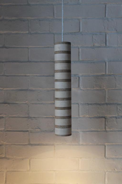 Pakabinami šviestuvai, Pakabinamas medinis šviestuvas Spot zebra