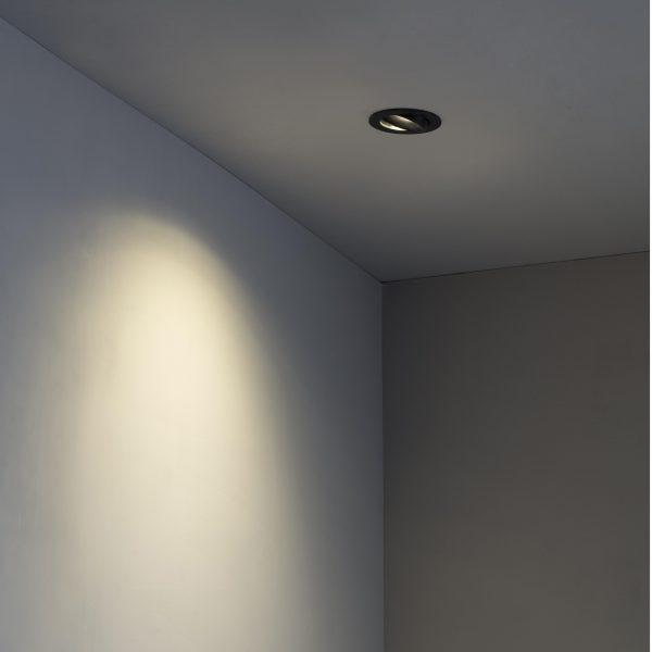 Biurų apšvietimas, Įleidžiamas kryptinis šviestuvas ARGON-R Black
