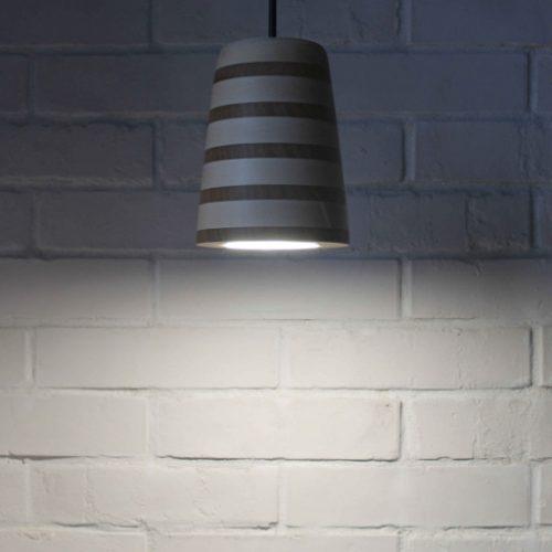 Mediniai šviestuvai, Pakabinamas medinis šviestuvas Spot XL Zebra